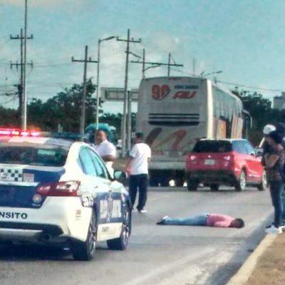 Queda gravemente herida mujer atropellada por un autobús en el bulevar Colosio de Cancún; chofer escapa