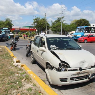 Choque en la Tulum deja dos heridos
