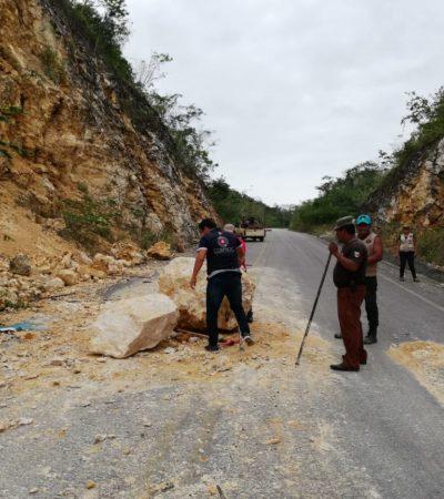 Liberan tramo carretero afectado por derrumbe en río Hondo