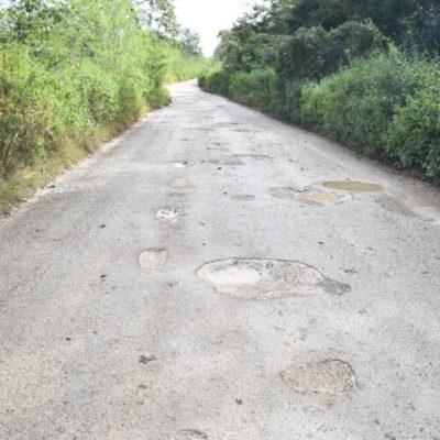 A pesar de diversas peticiones al gobierno, el camino a La Esperanza se mantiene en pésimas condiciones