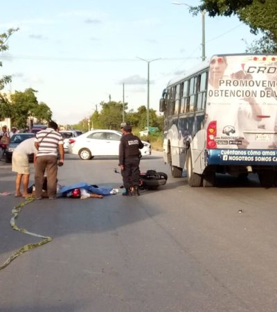 Motociclista se estampa con un camión en Cancún; muere una mujer