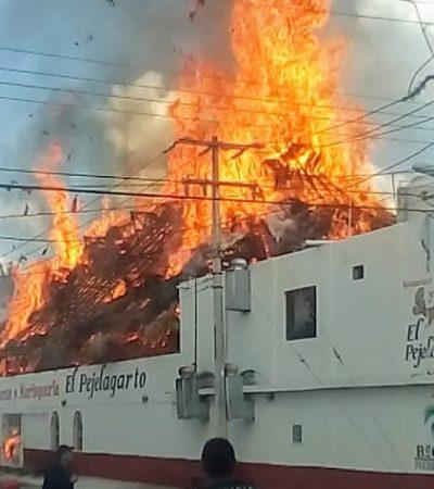 ARDE 'EL PEJELAGARTO': Incendio en palapa de empresario en Bacalar; se teme que sea intencional