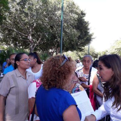 Adultos mayores llegan al palacio municipal de BJ para pedir la creación de un Instituto del Adulto Mayor