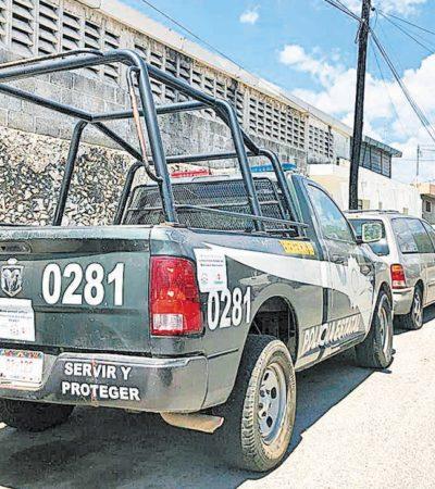 Permanece abandonada patrulla de Campeche en calles de Mérida