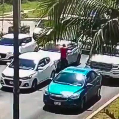 RAFAGUEAN CAMIONETA EN CANCÚN: Confirma Fiscalía que aumenta a tres el número de muertos y hay un herido; difunden video del ataque