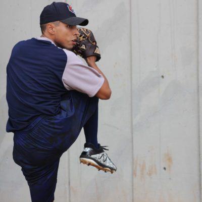 REPORTA JAVIER SOLANO Y LANZA BULLPEN: El sonorense pitcher estelar de los Tigres de Quintana Roo, fue junto con el también lanzador Juan Rodríguez, las caras nuevas en el segundo día de Spring Training de la novena bengalí
