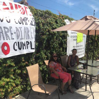 Montan vecinos de los edificios Yikal en Cancún brigada de protesta contra inmobiliaria SARE por añejo conflicto