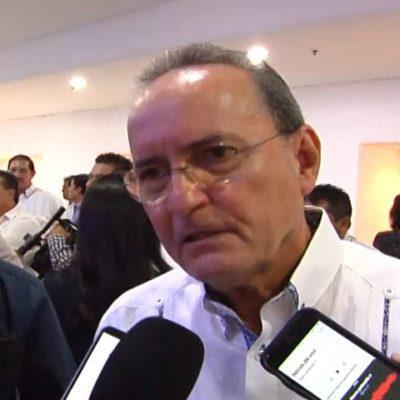 """""""El tema de las mantas no es ninguna novedad, en el estado tenemos muchas"""", dice López Mena"""