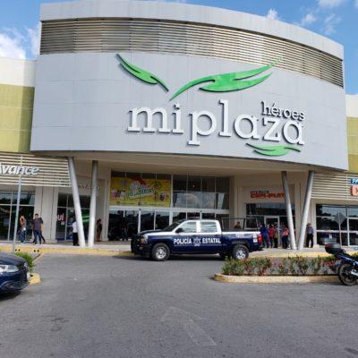 ATRACO EN PLAZA HÉROES DE CANCÚN: Hombres armados asaltan durante la madrugada centro comercial y se llevan al menos dos cajeros automáticos