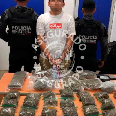 Detienen a hombre con 36 porciones de marihuana en la Región 96 de Cancún