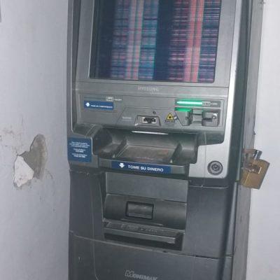 Policía Estatal detiene a dos sujetos que intentaban robar un cajero automático en Tulum