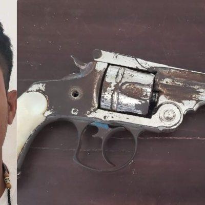 Detienen a hombre armado en In House