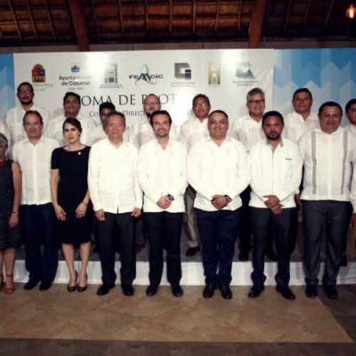 Toman protesta a las nuevas directivas de los Colegios de Ingenieros y Arquitectos de Cozumel