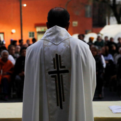 Reconocen Obispos crisis en Iglesia