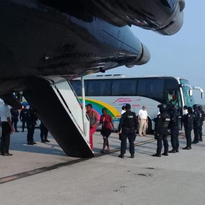 Deporta el INM a 71 haitianos que permanecían en Chiapas; africanos y cubanos buscan visa humanitaria