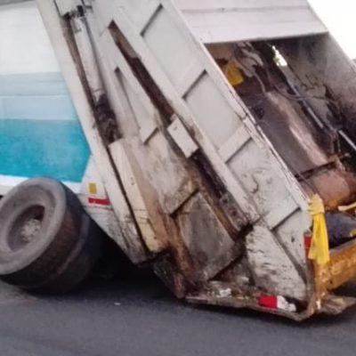 FOTOS | Pierde eje camión rentado para colecta de basura en Othón P. Blanco; de diez unidades contratadas, sólo hay tres en operación