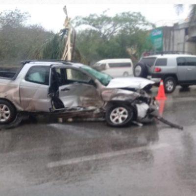 Fuerte choque rumbo a Tulum deja cuatro heridos