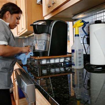 Arranca afiliación de 'personas trabajadoras del hogar' al IMSS; en dos días registran a 275