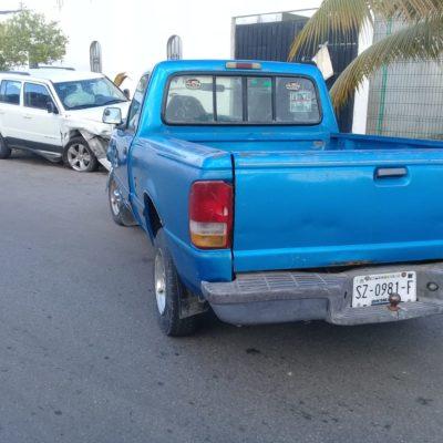 Mujer evade retén y finaliza huida al chocar en Playa del Carmen