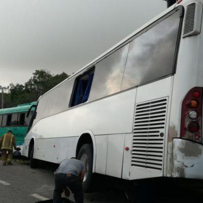 Varios lesionados en accidente carretero en Puerto Morelos