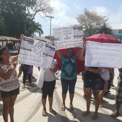 DOS MANIFESTACIONES HOY EN TULUM: Ambulantes denuncian hostigamiento de municipales; ex invasores exigen respuesta a acuerdo para entrega de predios