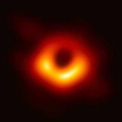Consiguen la primera imagen de un agujero negro con el 'Event Horizon Telescope'