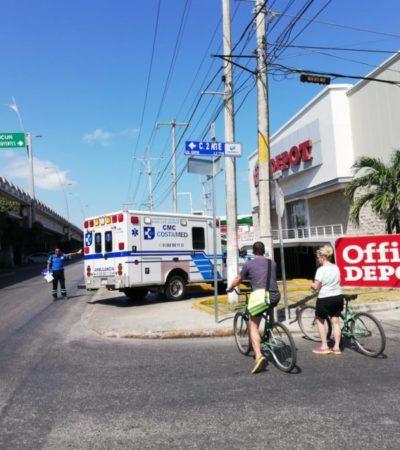 Despojan de dinero de nómina a pareja en el estacionamiento de Office Depot, en Playa del Carmen