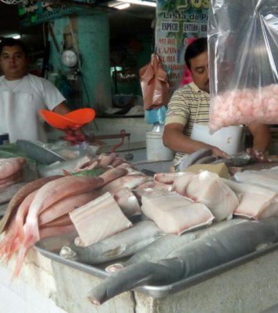 Retiran 160 kg de mariscos descompuestos a la venta en Cancún