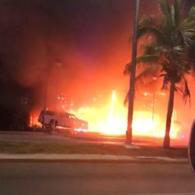 DANTESCO ATAQUE INCENDIARIO EN CANCÚN: Lanzan artefacto explosivo contra rentadora de autos de lujo en bulevard Colosio; cierran acceso sur a la ciudad