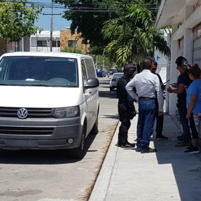 Roban 86 mil pesos a tripulantes de una van en Solidaridad