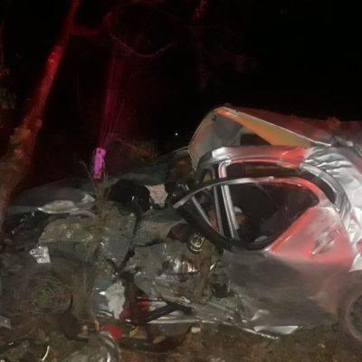 ACCIDENTE EN LA CARRETERA CANCÚN-LEONA VICARIO: Mueren dos hombres en auto con reporte de robo con violencia