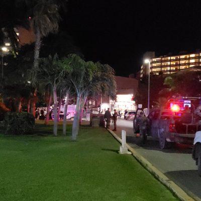 EJECUCIÓN EN LA ZONA HOTELERA DE CANCÚN: Persiguen y matan a balazos frente al hotel Nizuc a conductor de una camioneta
