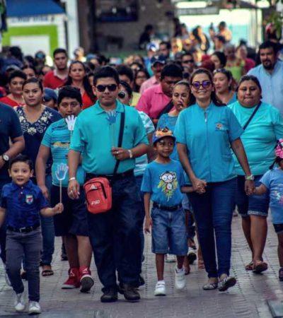 Realizan caminata para fomentar la inclusión de personas con autismo en Isla Mujeres