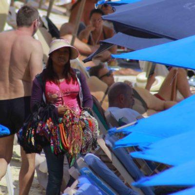 Detectan 40 casos de explotación infantil en la Quinta Avenida de Playa del Carmen