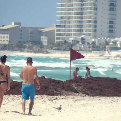 """""""ES UN TEMA QUE NO PODEMOS PASAR POR ALTO"""": Reconoce Mara Lezama la gravedad del recale del sargazo para Cancún"""