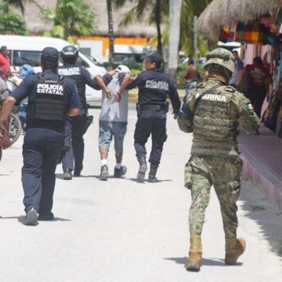 Operativo policíaco coordinado en Cozumel permite la detención de 9 personas