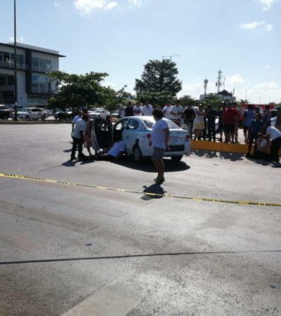 ATACAN A TRES PERSONAS EN PLAYA: Tres taxistas fueron baleados en el cruce de la avenida Chemuyil y Colosio; uno falleció en el lugar