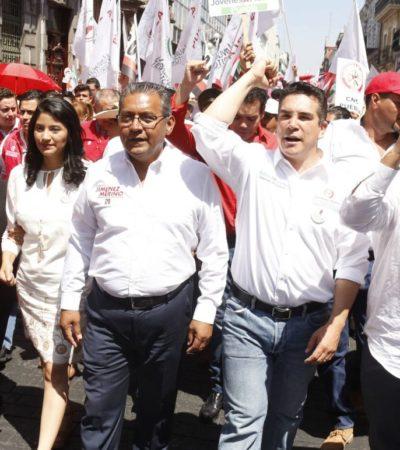 Derrocha Alejandro Moreno 218 mdp en giras por el país y visitas de 'personalidades' a Campeche