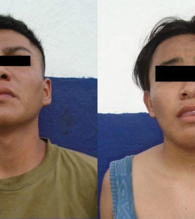 Detienen a dos jóvenes por asaltar con machete negocio de comida en la SM 229