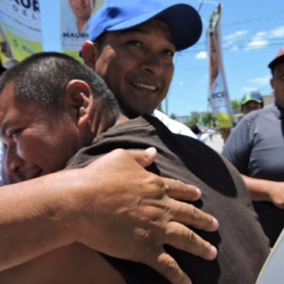 Mauricio Delfíndice que seguirá tocando puertas en el Distrito 2 de Cancún