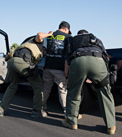 Rompe EU record en detenciones de migrantes; supera cien mil casos por segundo mes consecutivo