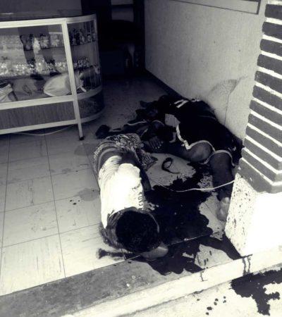 ATAQUE A BALAZOS EN LA AVENIDA NÁDER: Asesinan a uno y hieren a otro en local del antiguo mercado 'Pancho Villa', a poca distancia del Palacio Municipal en Cancún