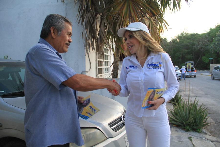 Realiza Fátima Garnica recorrido por la Región 215 de Cancún