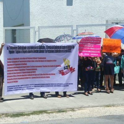 Derechohabientes del ISSSTE se manifiestan en Chetumal por recorte presupuestal, despido de trabajadores y reducción del numero de créditos