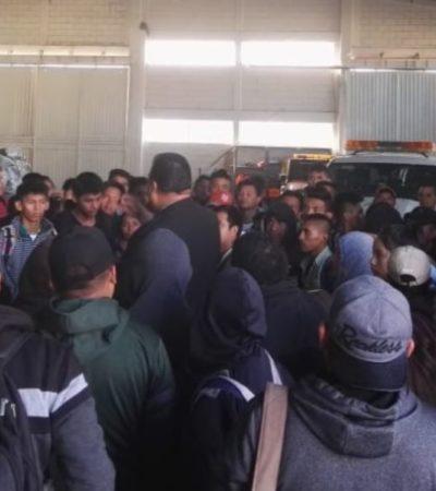 Detienen nueve vehículos que transportaban 281 migrantes centroamericanos en Comitán, Chiapas