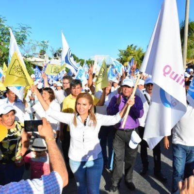 """""""ES TIEMPO DE RECUPERAR EL RUMBO"""": Con una caminata multitudinaria en la colonia La Guadalupana, Lili Campos cerró su campaña por la diputación del distrito 10"""