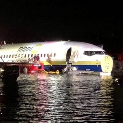 Cae en un río de Jacksonville, Florida, avión Boeing 737 con militares provenientes de Guantánamo, Cuba