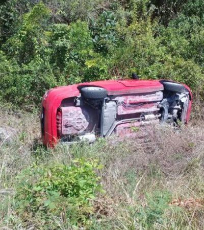 Vuelca automóvil en la carretera Playa-Puerto Morelos; no se reportan víctimas