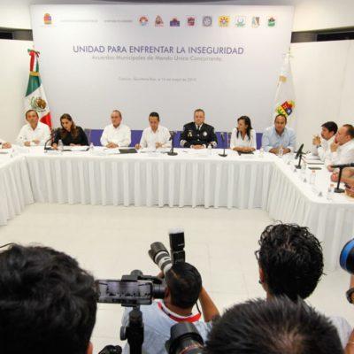 """""""NO HUBO PRESIONES PARA FIRMAR EL MANDO ÚNICO"""": El Gobernador y ocho alcaldes refrendan su adhesión a proyecto común de seguridad en QR"""