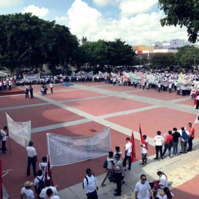 Protestan tres mil trabajadores en Cancún contra la Ley Federal del Trabajo